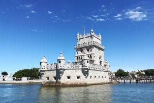 Passeio de Veleiro Lisboa. A Torre de Belém vista do rio
