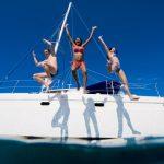 A saltar para a água do mar
