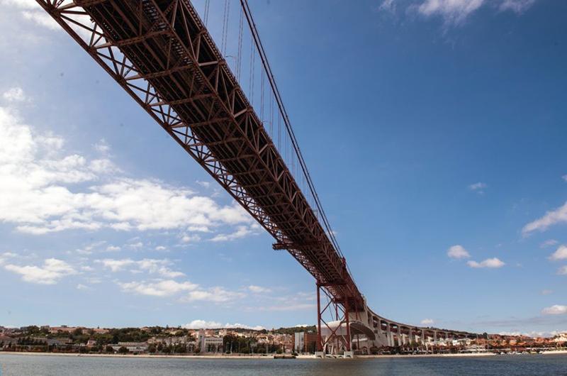 Passeio em veleiro em Lisboa