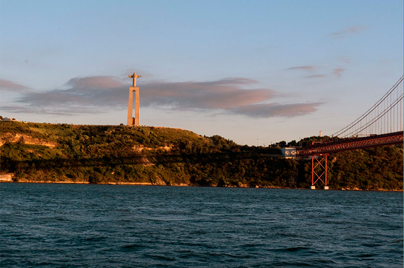 The best romantic experience in Lisbon. The calm waters of the river